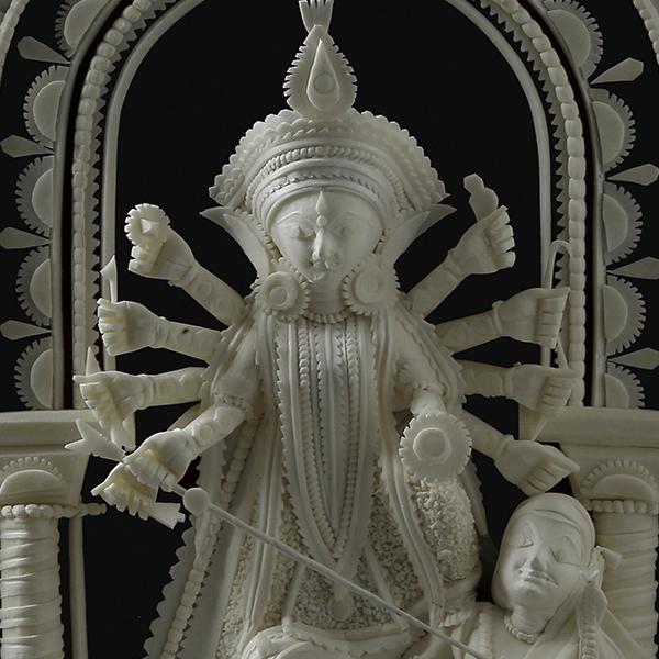 Shola Pith Carving