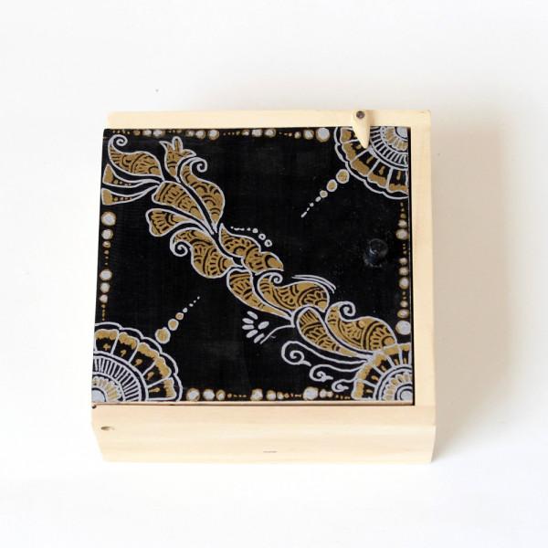 Mehendi Art Trinket Box