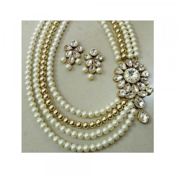 Crystal Jewellery Set with Glass Pearl Work