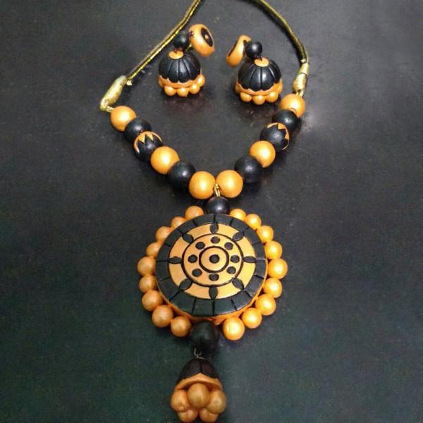 Kavitha Gowthaman Tarracotta Necklace set