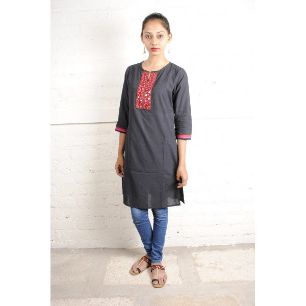 Sabala Handicrafts Black Beauty Hand Embroidered Kurta
