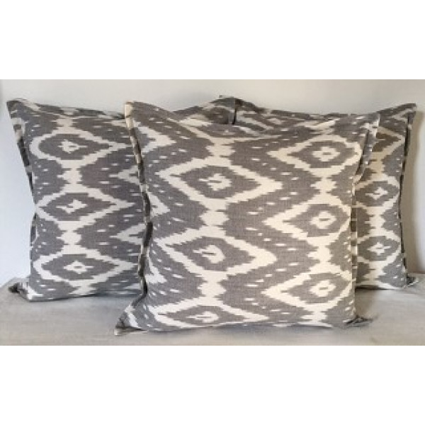 MAYA WEAVES IKAT WOVEN – COTTON CUSHION COVERS
