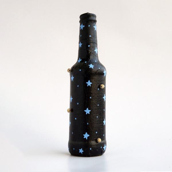 Art can b Bottle art flower vase black with star