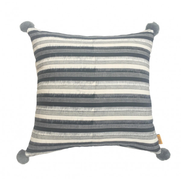 Cushion cover with stripe design