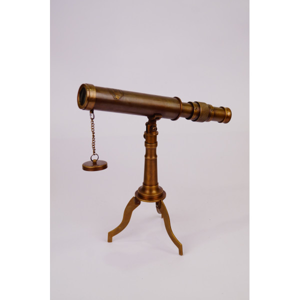 VINTAGE TABLE TELESCOPE IN ANTIQUE BRASS