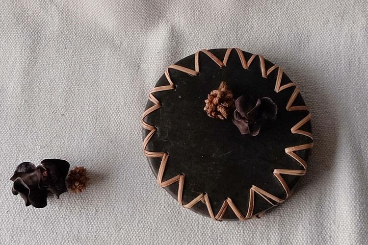 Longpi Black Pottery Coaster Round