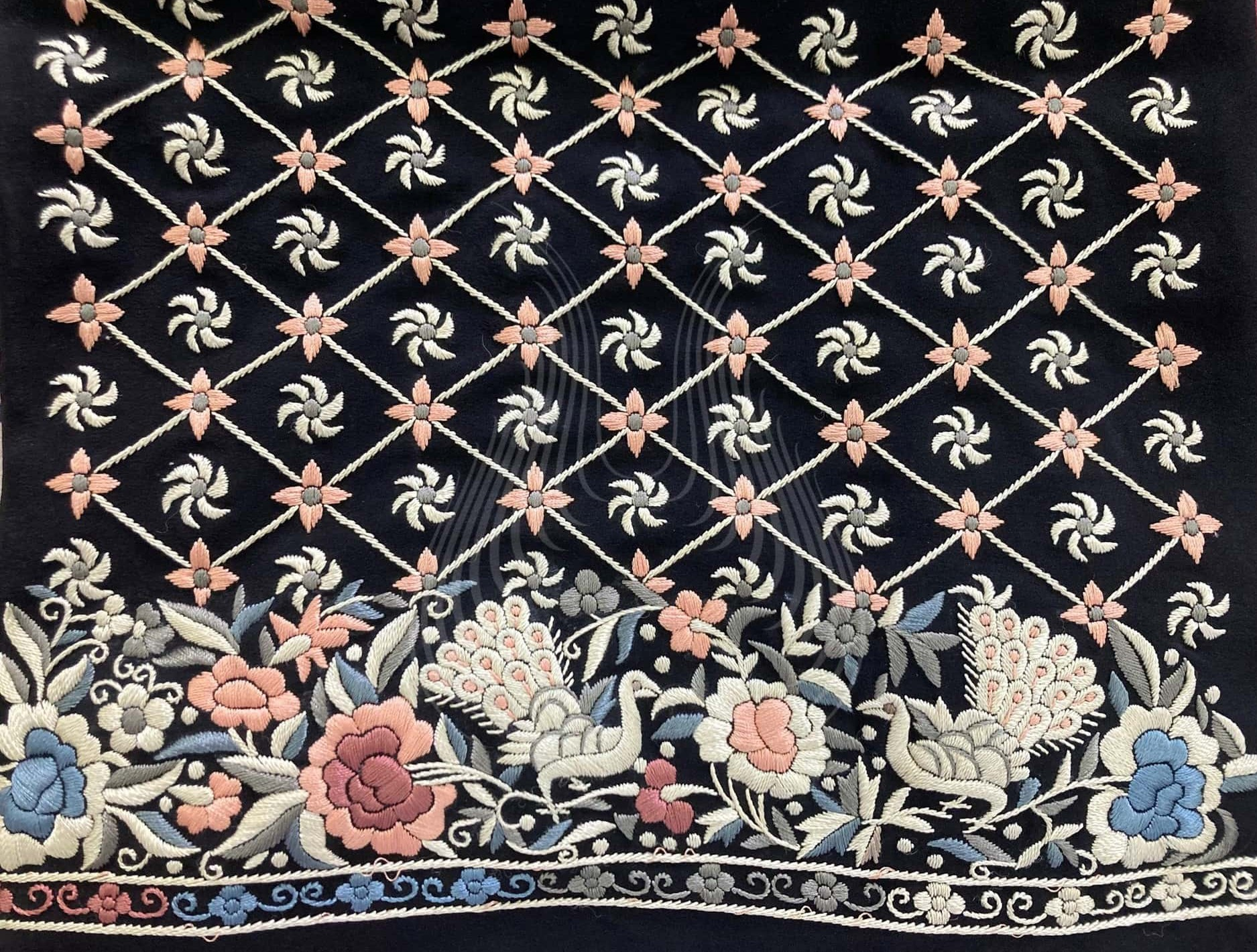 Peacock and flower Motif with flower Trellis(G112)