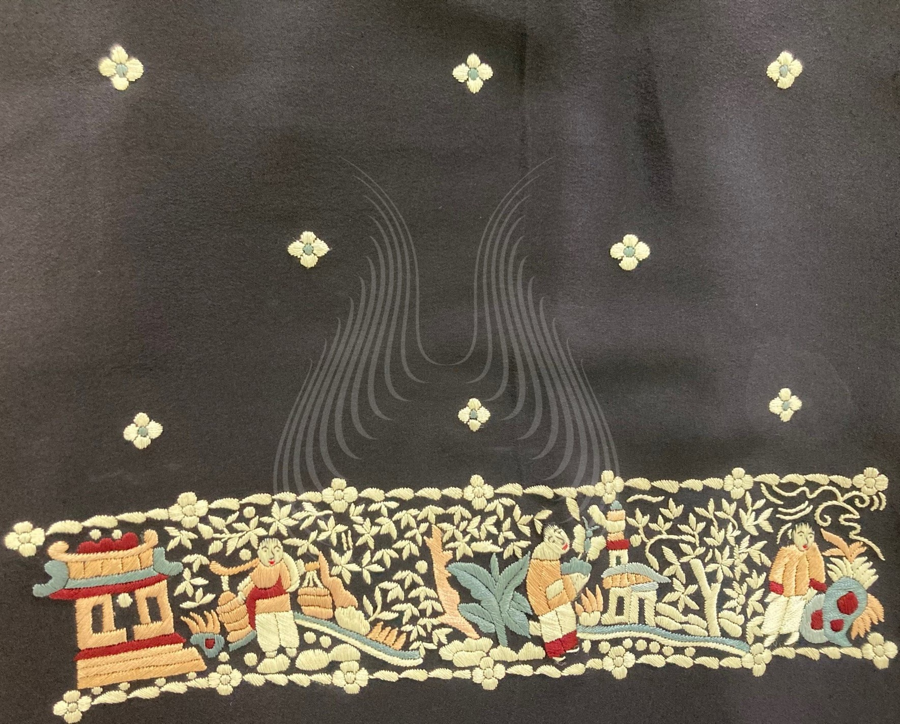 G 108 – Chinamen Motif with flowers