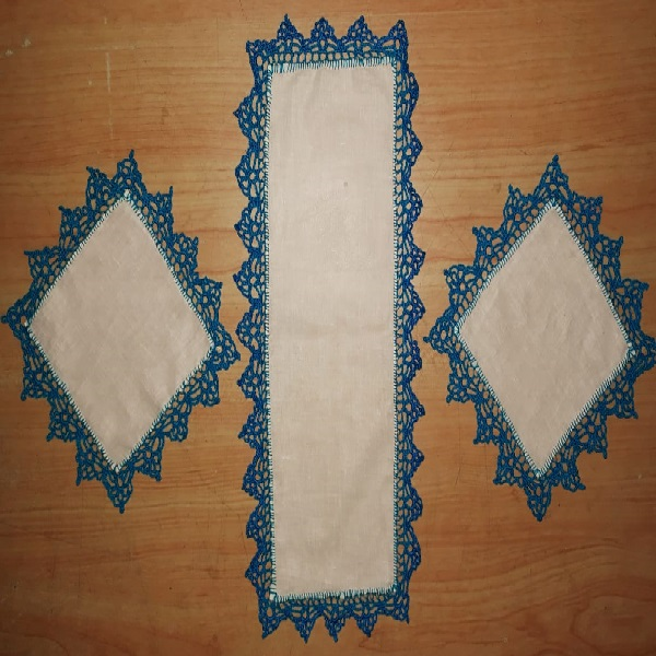 Handmade table runner and placements