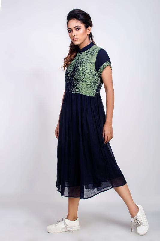 Handwoven cotton mid-length collared dress