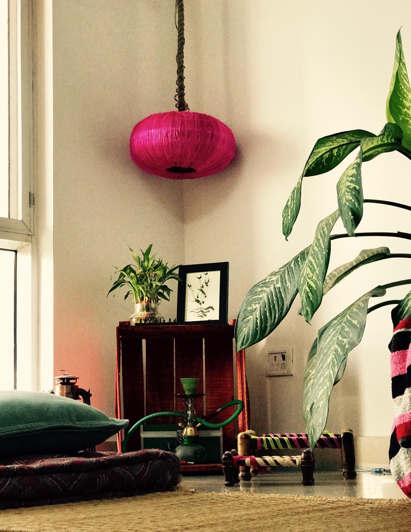 Pink Sisal spherical hanging lamp